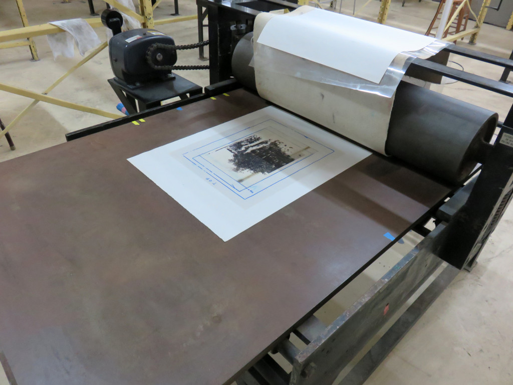 Printing a polyester plate for the Guerrier triptych at Turn-Bas